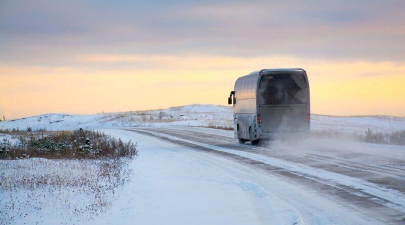 Estado de carreteras y suspensión de servicios de autobuses por las nevadas